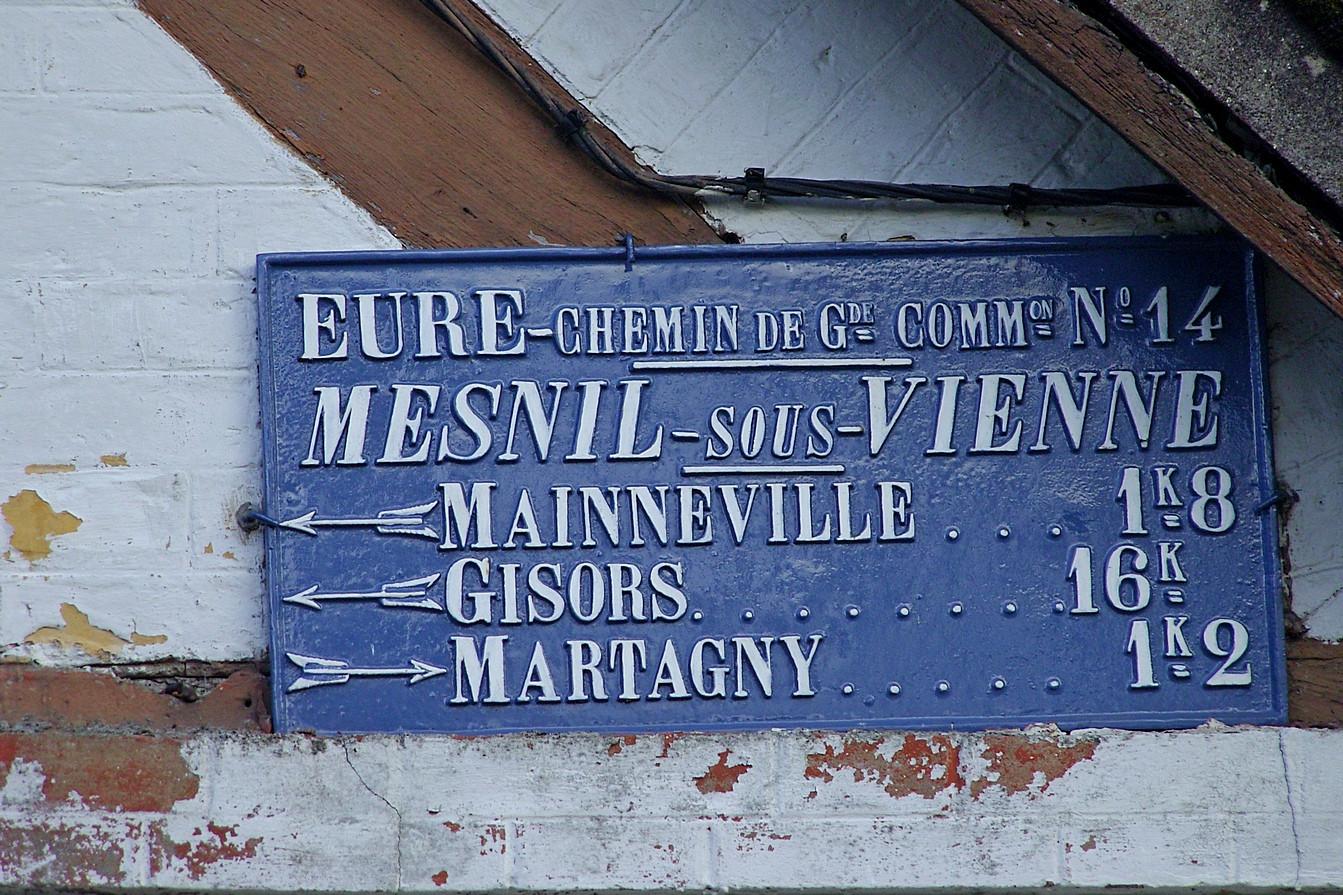 Mesn_panneau_à_Mesnil_sous_Vienne_1,2_MP