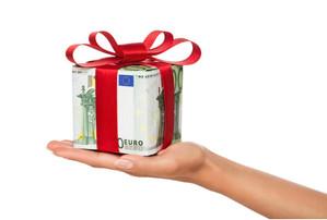 Et si, pour Noël, vous donniez une prime pouvoir d'achat au lieu de chèques cadeau ?