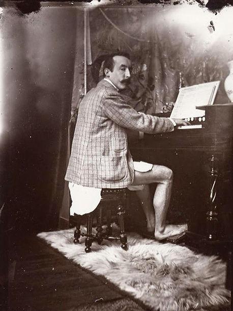 Paul Gauguin (París, c. 1895).jpg