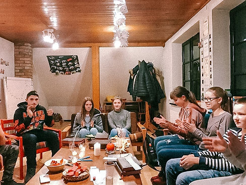 Dobeles Evaņģēliski luteriskās draudzes jaunieši