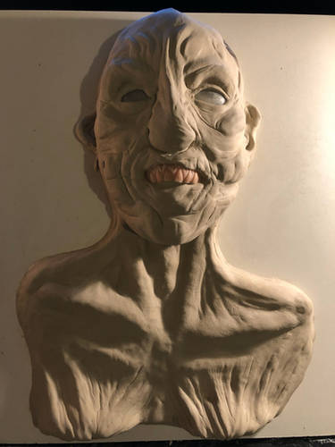 clay-water-base-sculpture-latex-mask-tap