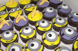 Minions cup cakes!