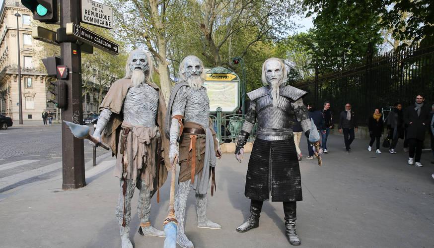 monceau-paris-latex-body-suit-white-walk