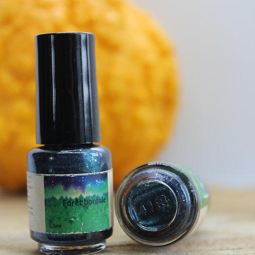 Forêt boréale-Vernis à ongles