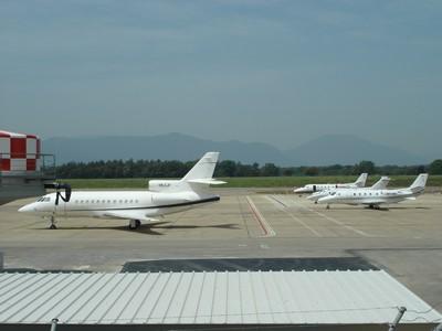 13052007-AEROPORT GIRONA-JETS-3.JPG