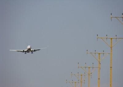 02072011-AVIO-1-ATERRANT.JPG