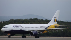 28052011-MONARCH AIRLINES-1.JPG