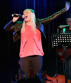 Sarah Jane Whiteley Vocalist singer Adelaide vocal coach