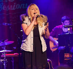 Sarah Jane Whiteley Vocalist singer Adelaide vocal coach