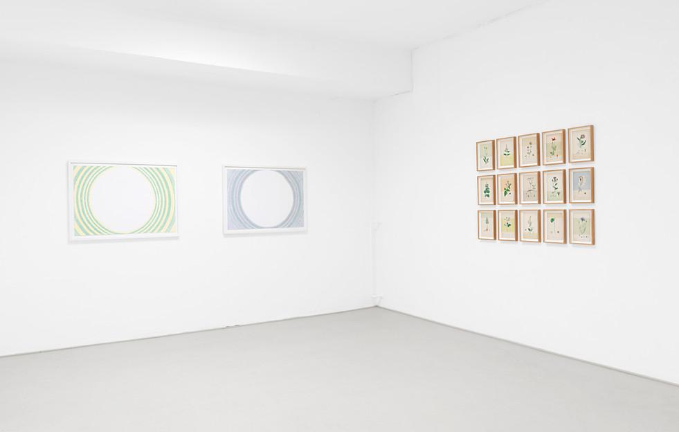 Exhibition installation view, Irgendwas mit Space, Galerie Herold, Bremen, Germany (2018), Outline (magic), Outline (imagine/letting go) & Cornwall Conversation Piece