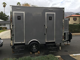 2 STATION PORTA POTTY TRAILER LUXURY.JPG