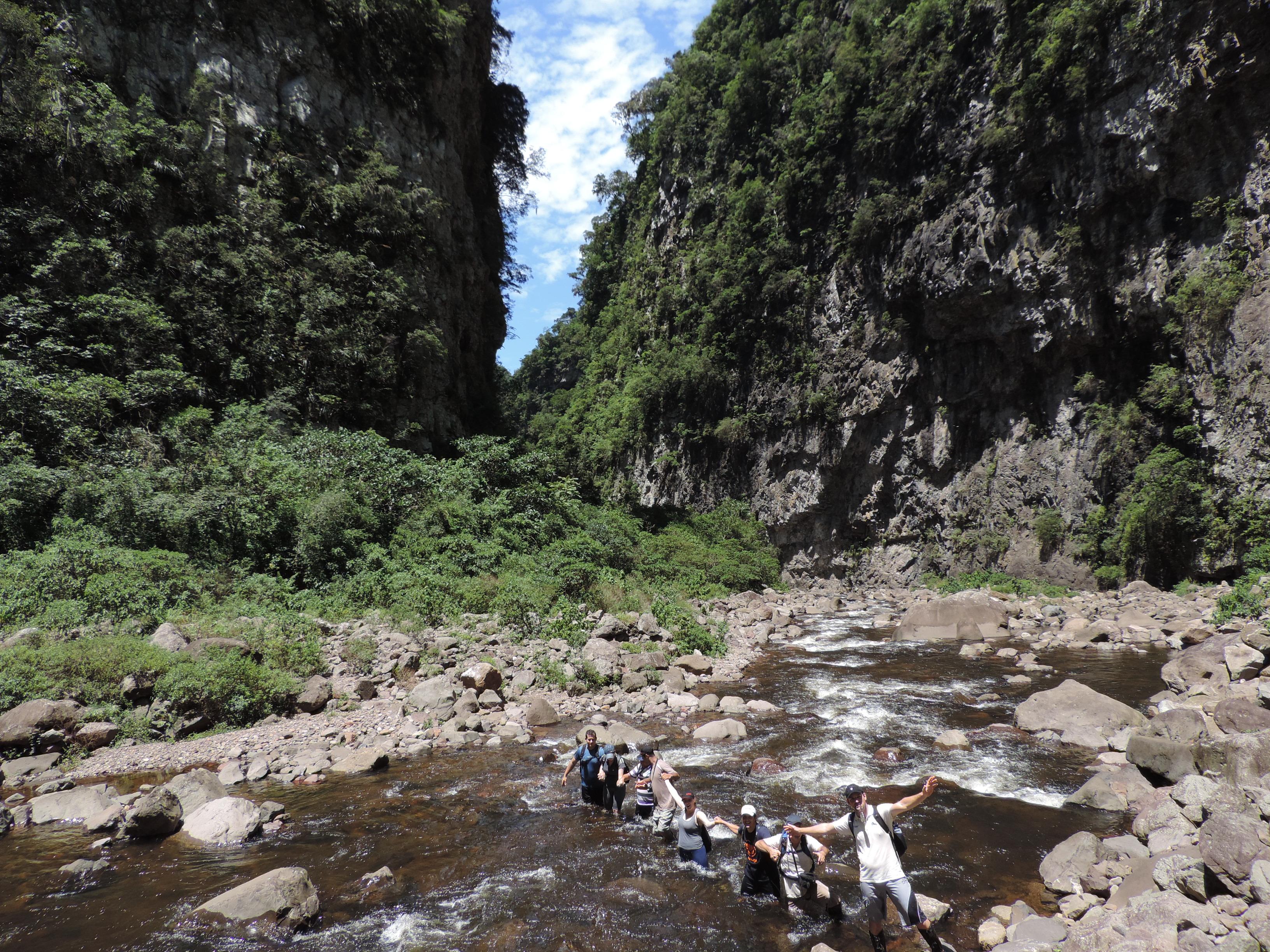 Travessia no Rio do Boi