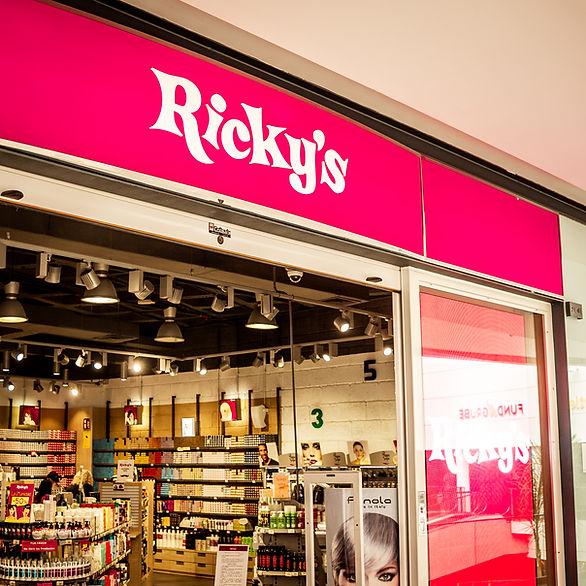 Galeón_Rickys.jpg