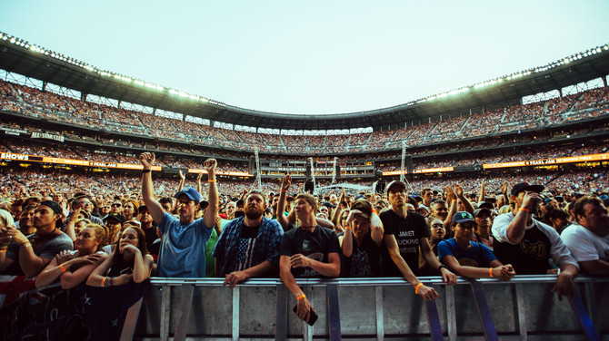 Pearl Jam the Home Shows FANS Seattle Wa