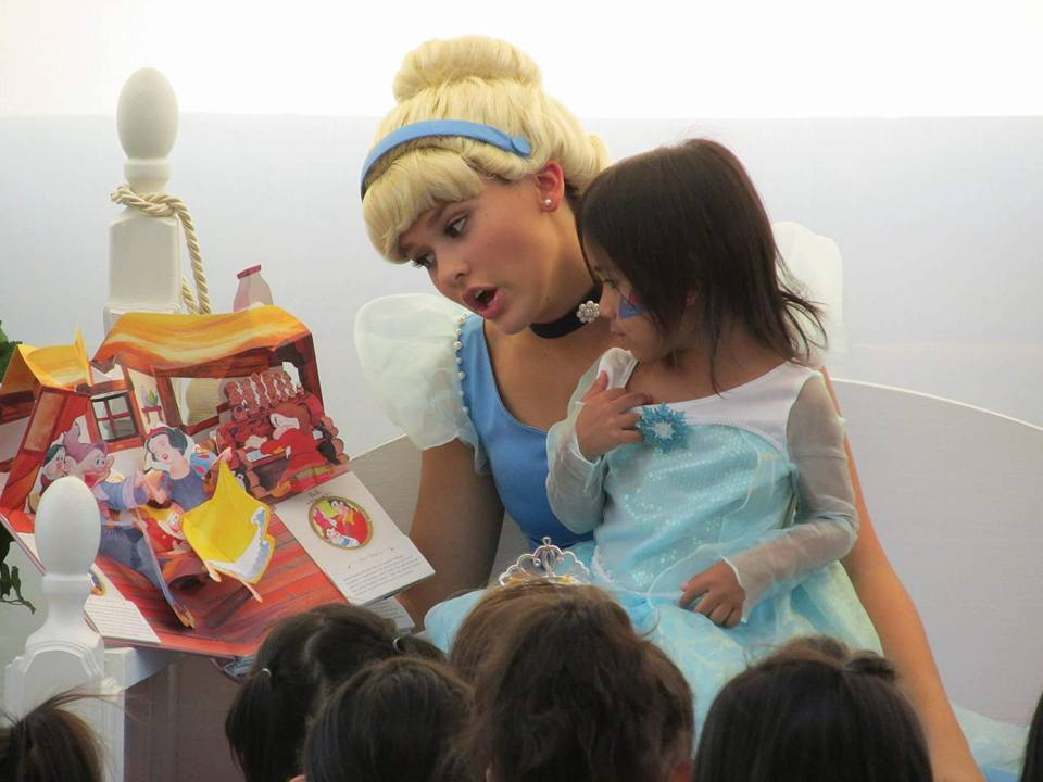 Blue Princess reading