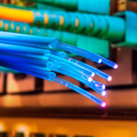 Mas o que é fibra óptica?