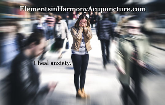 anxiety-panic-attack-in-public-place-wom
