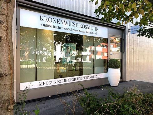 KronenwieseKosmetikschaufenster_edited.j