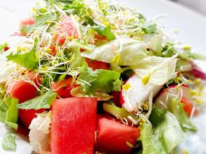 Ausgefallen und köstlich: Grüner Salat mit Wassermelone