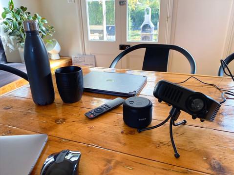 SundayHouse-RemoteWorking-10_edited.jpg