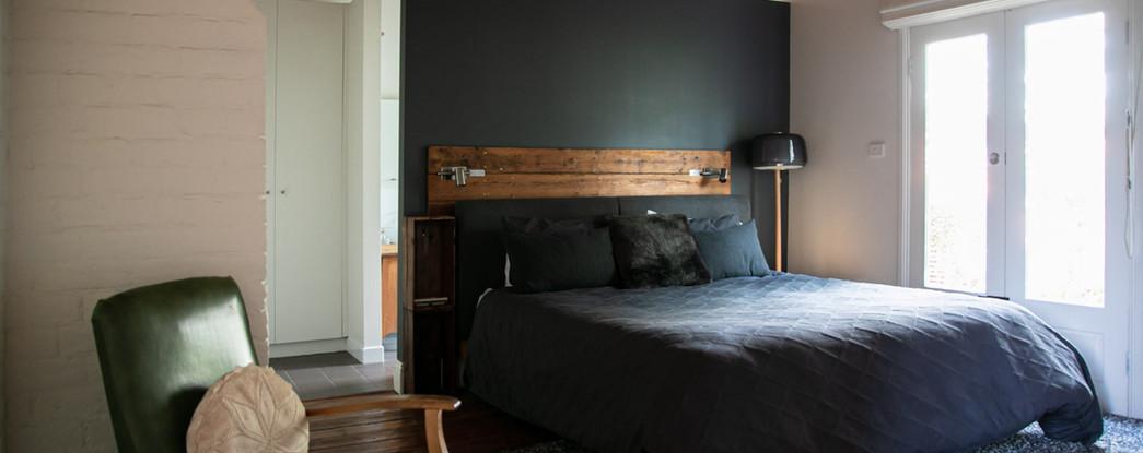 SundayHouse-MainBedroom03.jpg