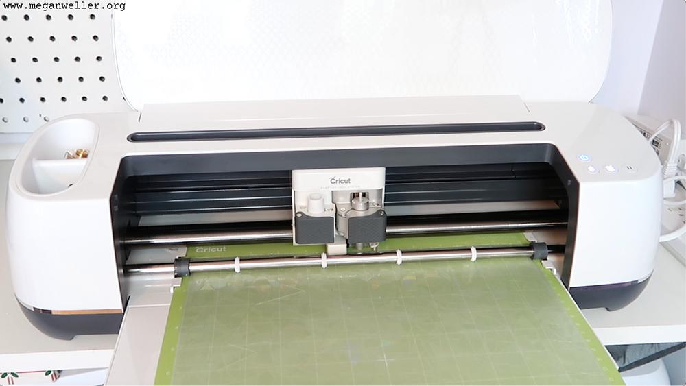 Load the green StandardGrip mat into your Cricut Maker cutting machine.