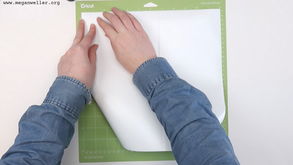Put white vinyl on the green StandardGrip mat. How to use a Cricut. Things to make with Cricut.