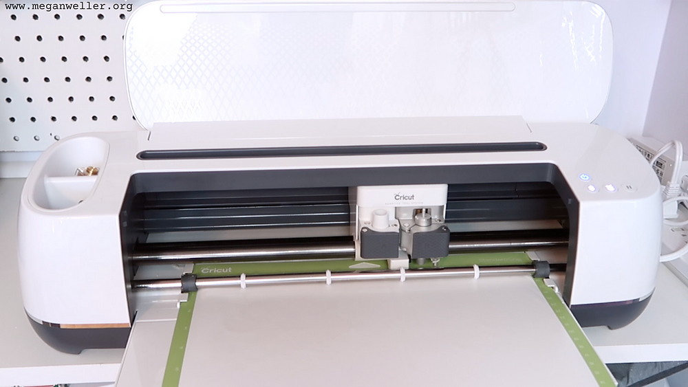 How to use a Cricut Maker. Cricut projects for beginners.