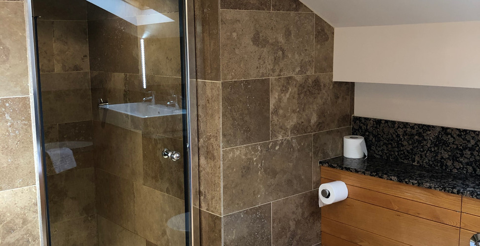 Room 18 Bathroom