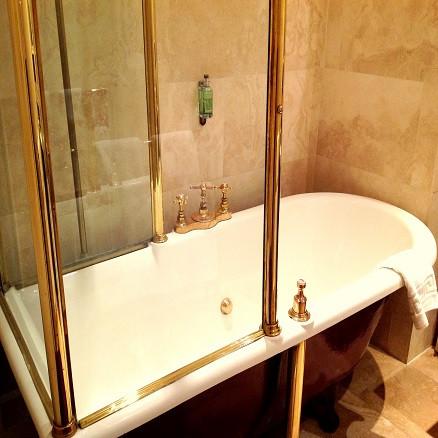 Room 8 Bath