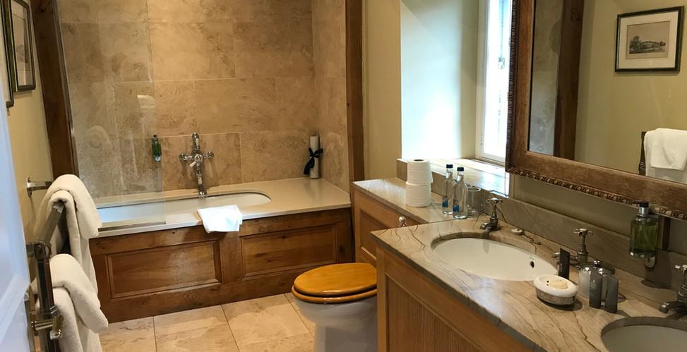 Coach House 24 Bathroom
