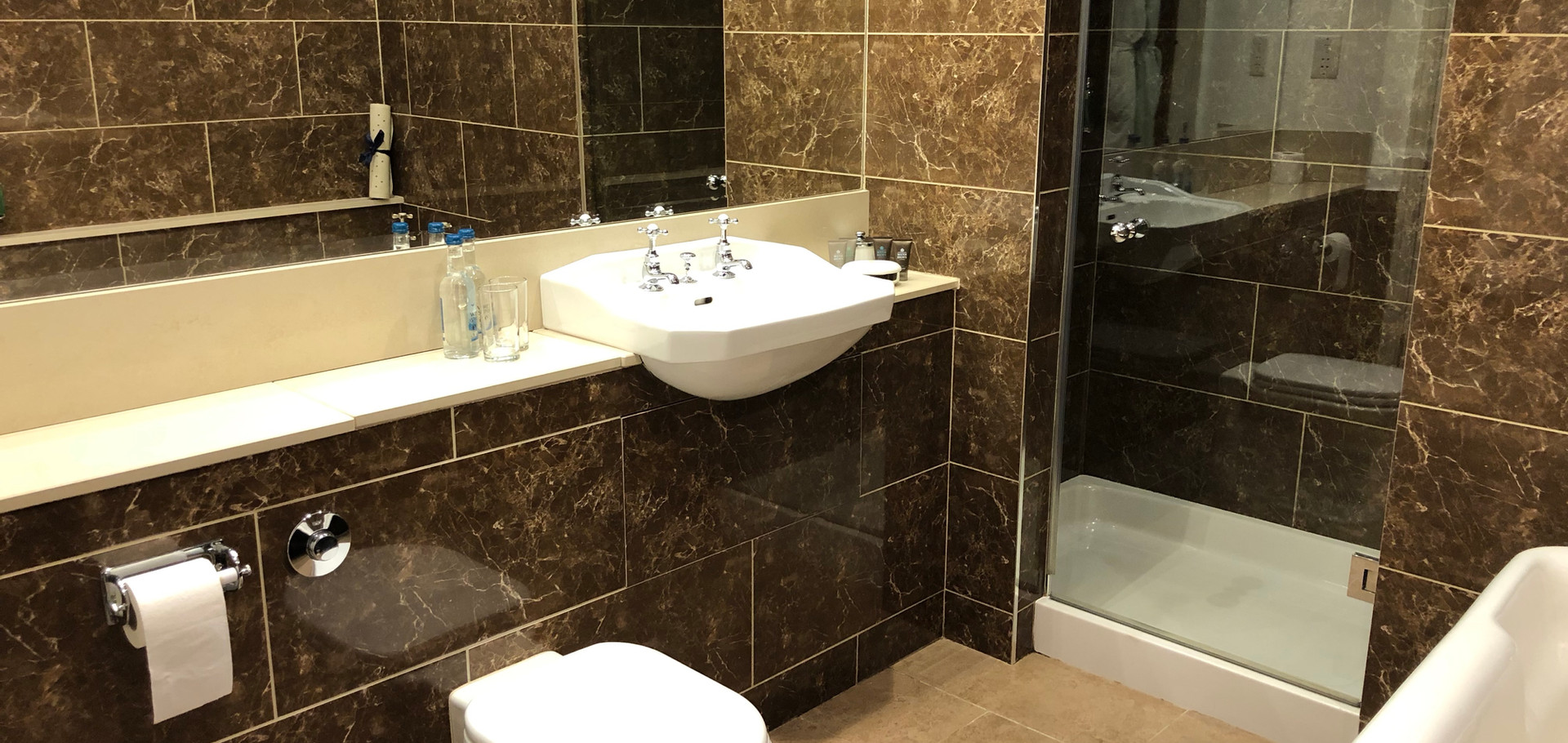 Room 16 Bathroom