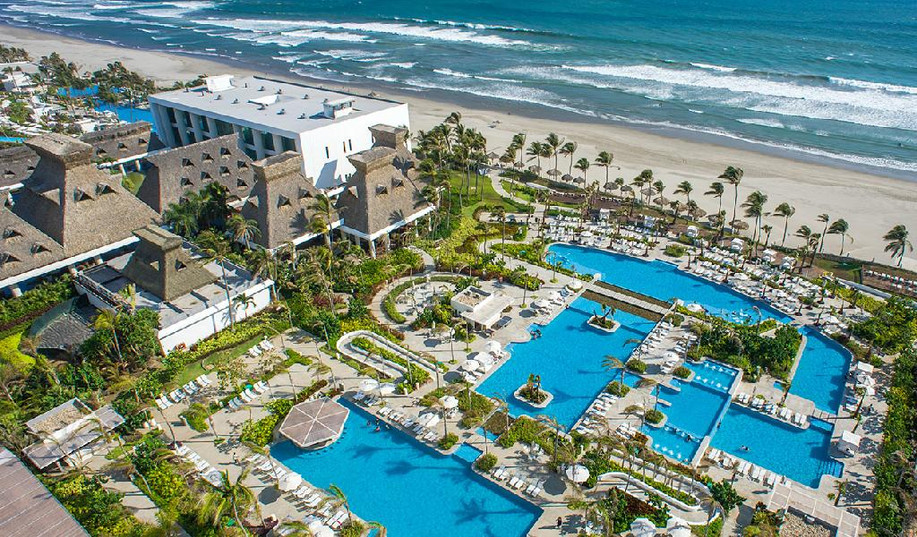 1 - Acapulco Resort - Nice Overview.jpg