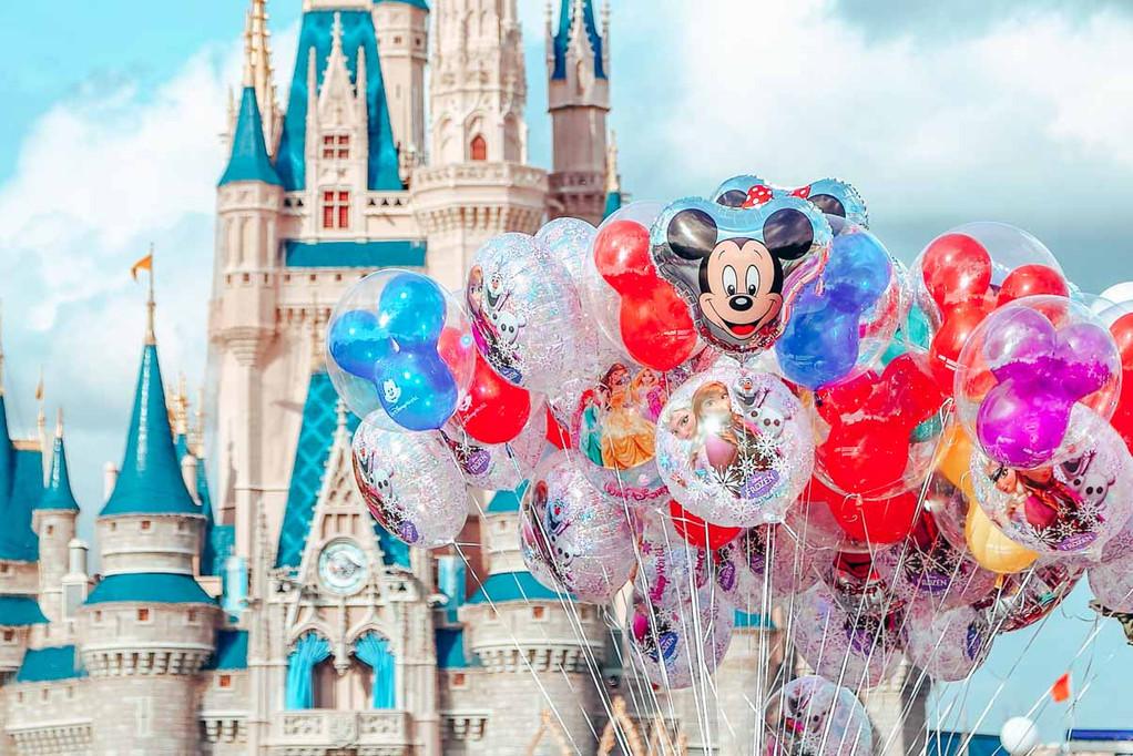 Disney-Parks-Cast-Member-Guide-1.jpg