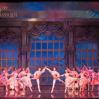 THE-NUTCRACKER-Ballet-La-Classique-107.j