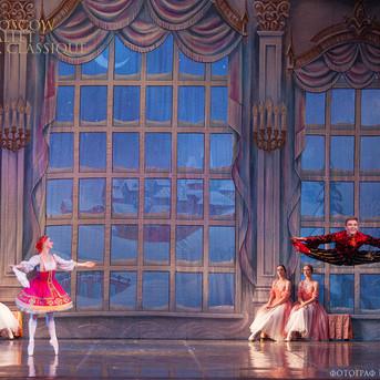 THE-NUTCRACKER-Ballet-La-Classique-90.jp