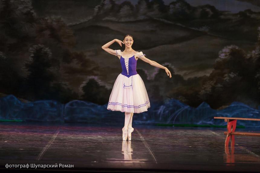 Gizelle-Moscow-Ballet-La-Classique-3.jpg