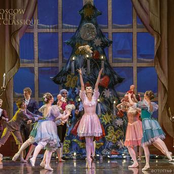 THE-NUTCRACKER-Ballet-La-Classique-9.jpg