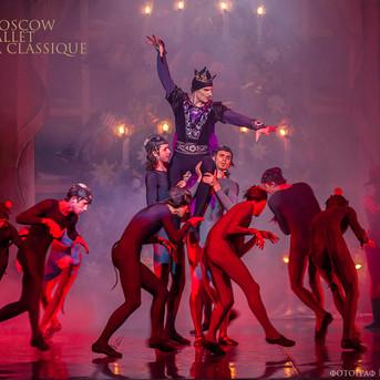 THE-NUTCRACKER-Ballet-La-Classique-54.jp