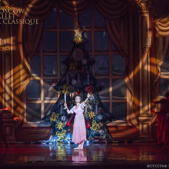 THE-NUTCRACKER-Ballet-La-Classique-48.jp
