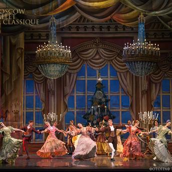 THE-NUTCRACKER-Ballet-La-Classique-23.jp