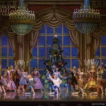 THE-NUTCRACKER-Ballet-La-Classique-11.jp