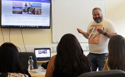 English lessons in Portsmouth with Tertulia Language