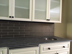 Kitchen Tile and Cabinets