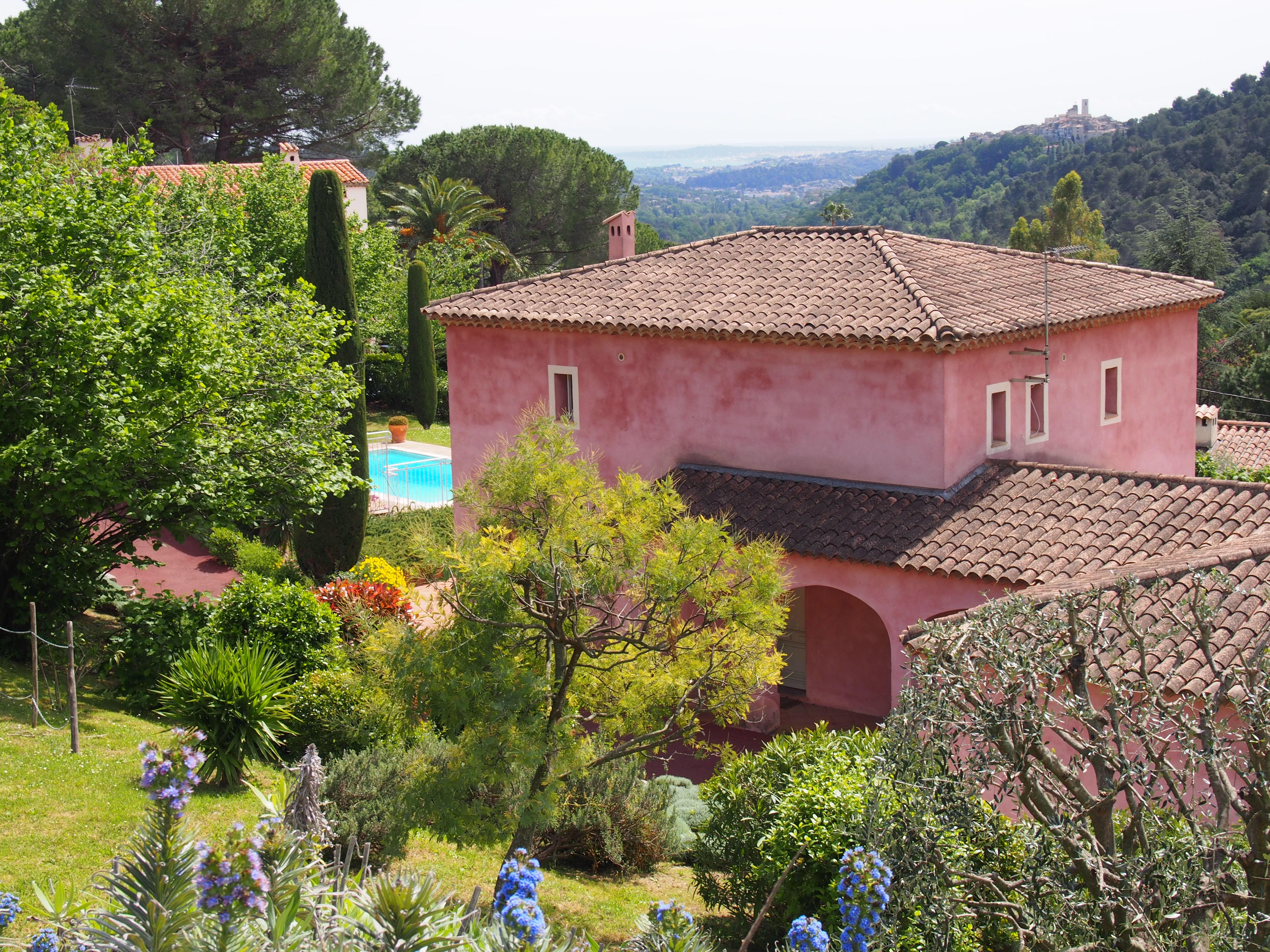 vue maison rose