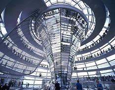 Cupola del Reichstag di Norman Foster – ( Germany Berlino)