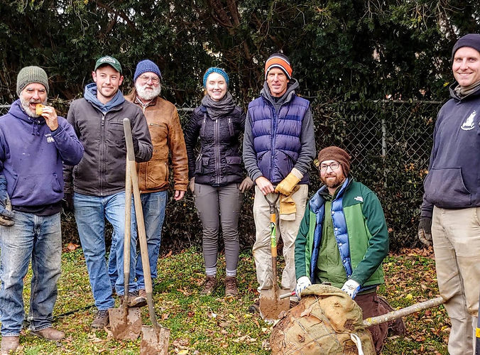 181208_group photo_neigh tree plantings.