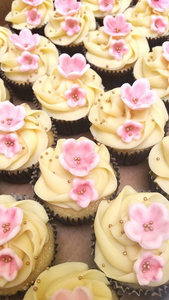 mini cupcake flor de cerejeira