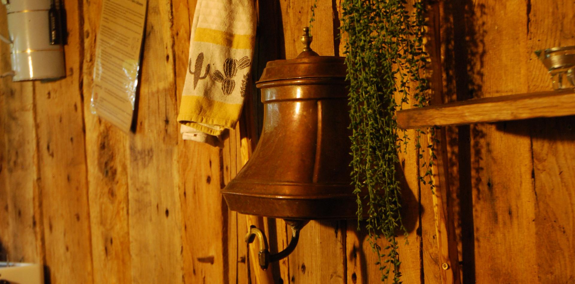 La Cabane de la Peyrade lave main détail