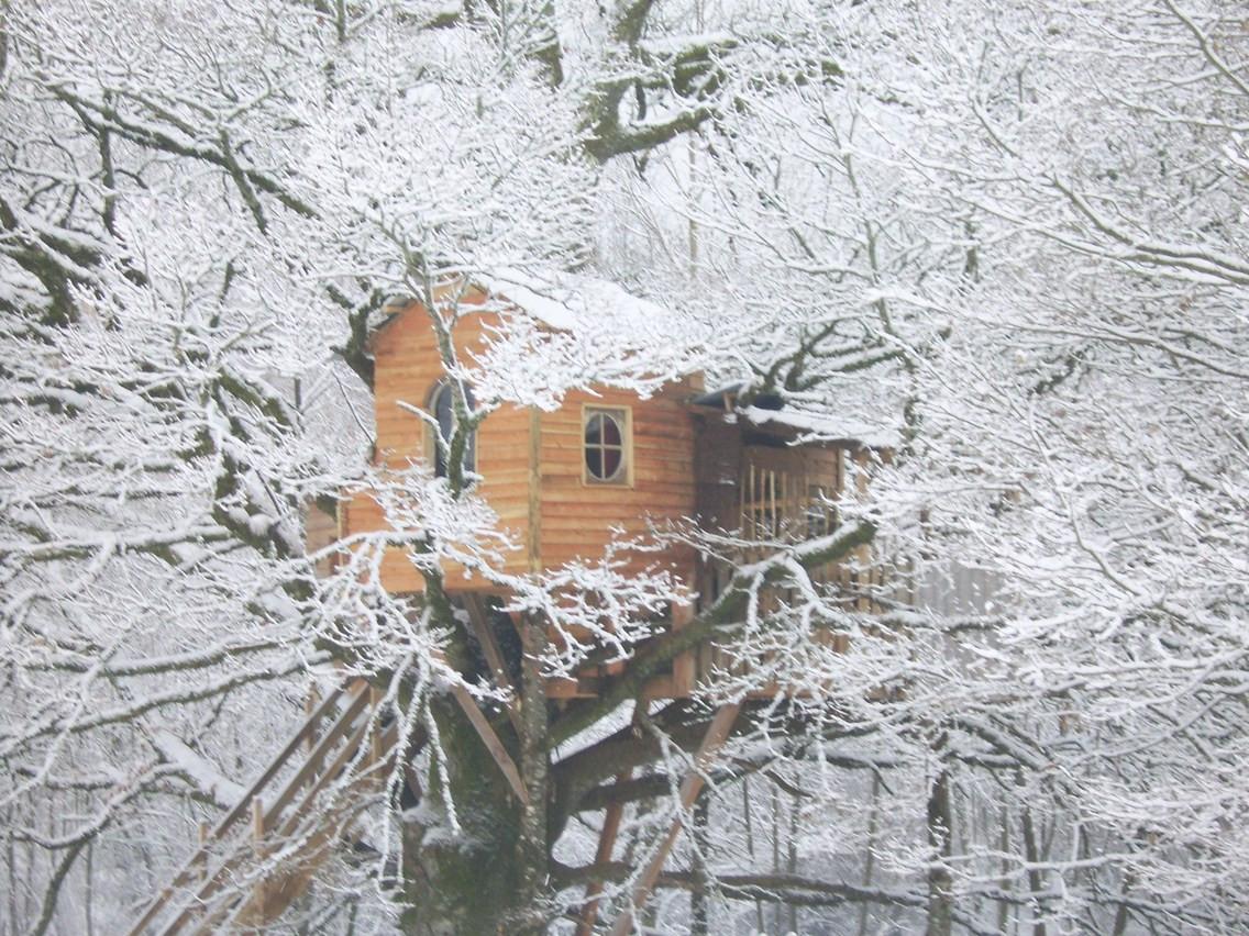 La Cabane de la Peyrade sous la Neige